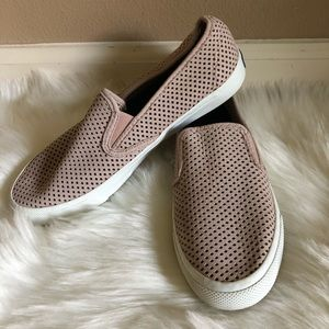 Sperry Perforated Slip On Sneaker Size 8.5
